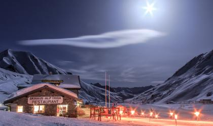 Moonlight skiing & ski touring